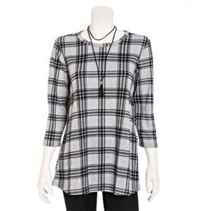 NEW Bobbie Brooks Plaid 3/4 Sleeve Top w/ Necklace